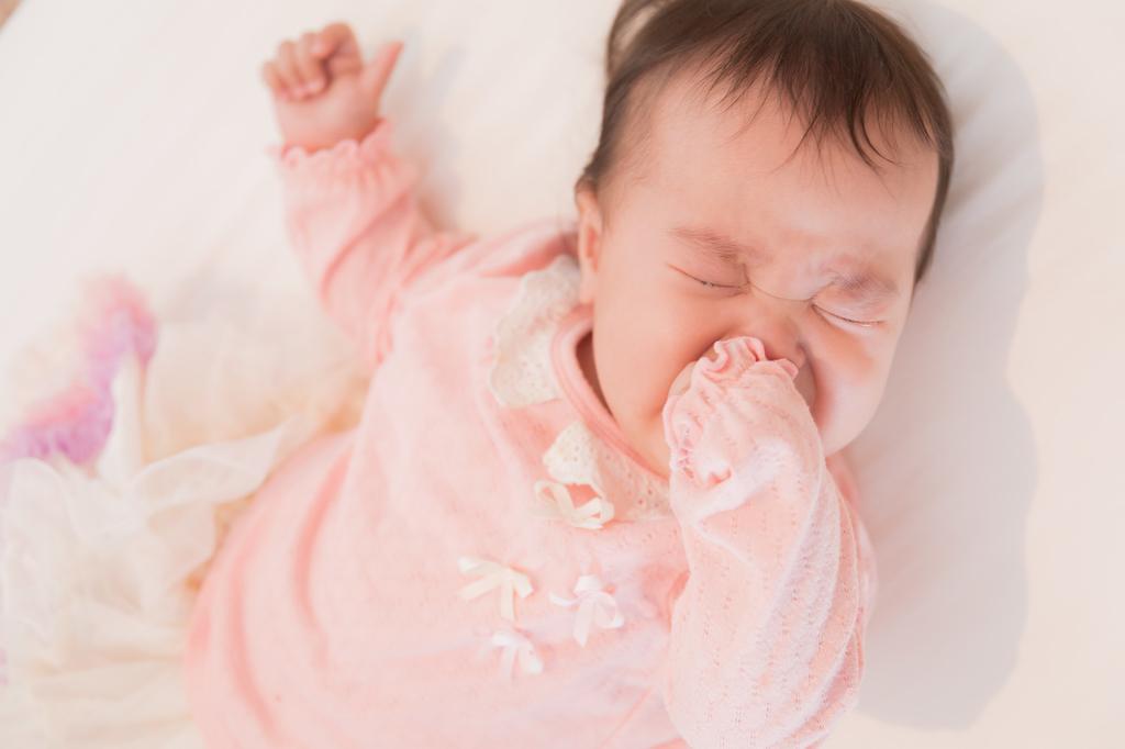 便秘続きでぐずる赤ちゃん
