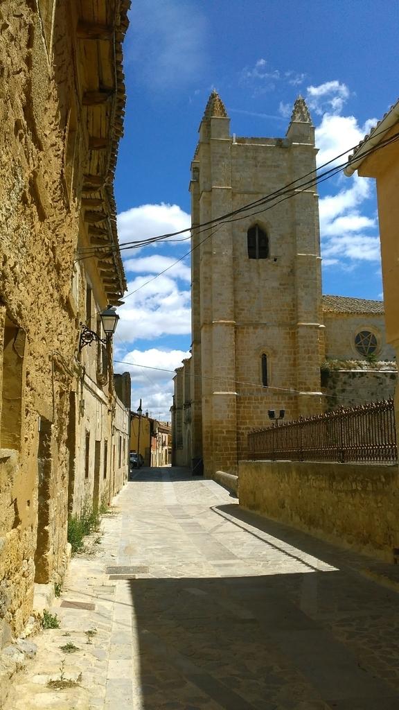 カストロヘリス|Castrojeriz|caminodesantiago|カミーノデサンティアゴ|星の巡礼|スペイン|spain|小堺建築研究所|福岡の建築設計事務所