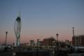 日没後間もないポーツマスの街