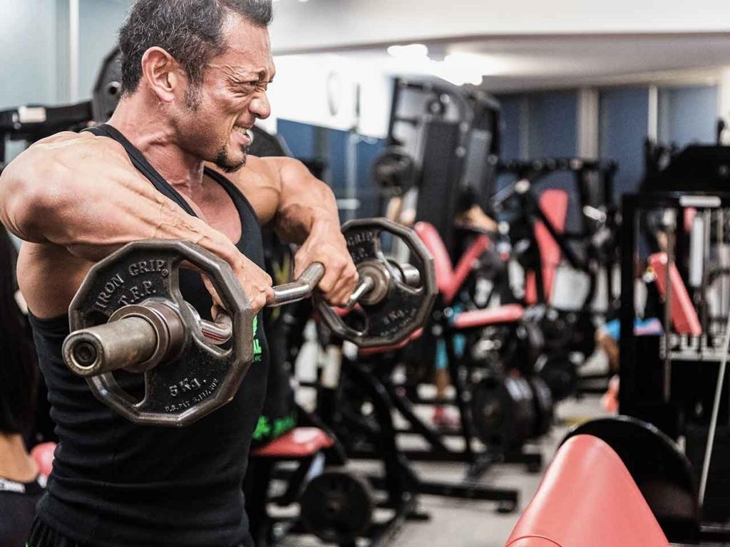 スポーツジムで鍛えなければゴリラのような体つきにはならない。【適材適食】小園亜由美(管理栄養士・野菜ソムリエ上級プロ)