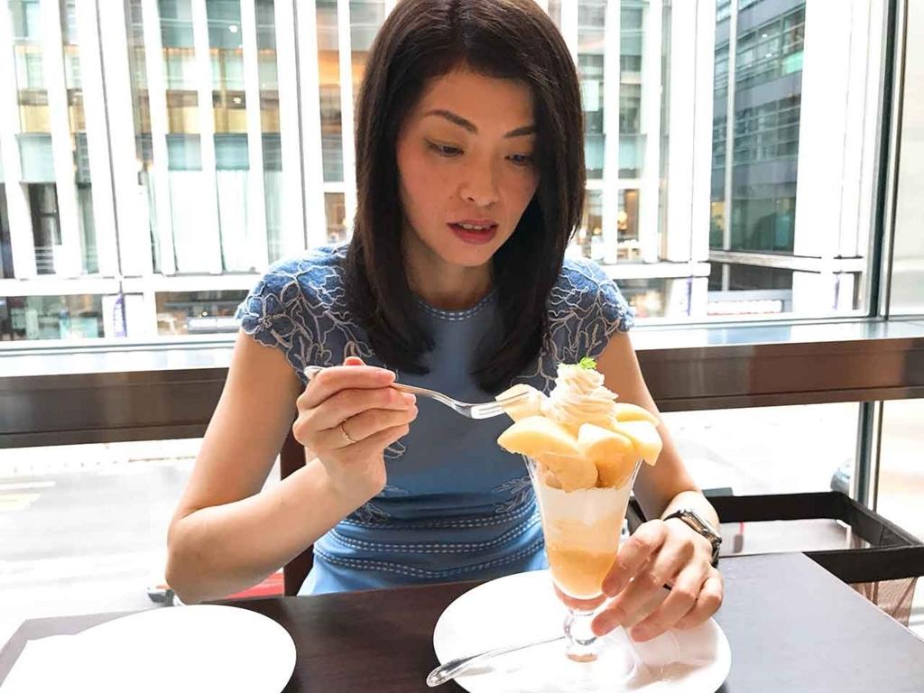桃のパフェになぜか緊張する私。【適材適食】小園亜由美(管理栄養士・野菜ソムリエ上級プロ)