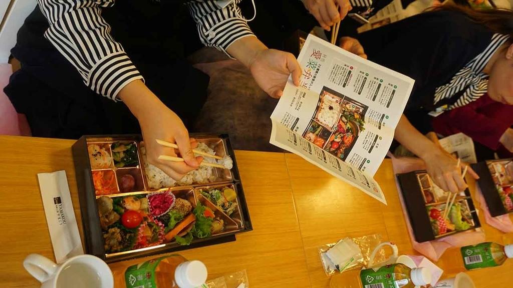 オリジナルプロデュースランチ「24種の野菜が入った秋色愛菜弁当」【適材適食】小園亜由美(管理栄養士・野菜ソムリエ上級プロ)