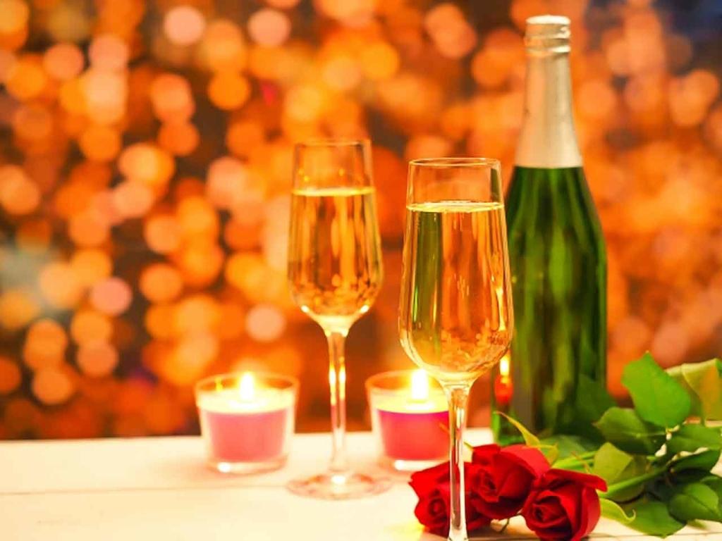 クリスマスに飲むシャンパン・スパークリングワイン・ワイン@「カロリーが気になる人のクリスマス攻略法」糖尿病や脂肪・カロリーが気になるすべての人へ管理栄養士が教える上手な過ごしかた【適材適食】小園亜由美(管理栄養士・野菜ソムリエ上級プロ)
