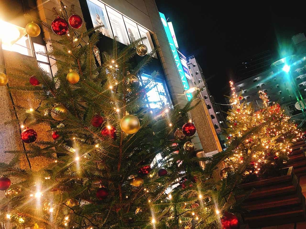 大丸福岡天神店エルガーラ@「サンタが天神にやってきた」名付けて『クリスマスツリーハンター』2018年福岡・天神の『クリスマスツリー』を集めてみた【適材適食】小園亜由美(管理栄養士・野菜ソムリエ上級プロ)
