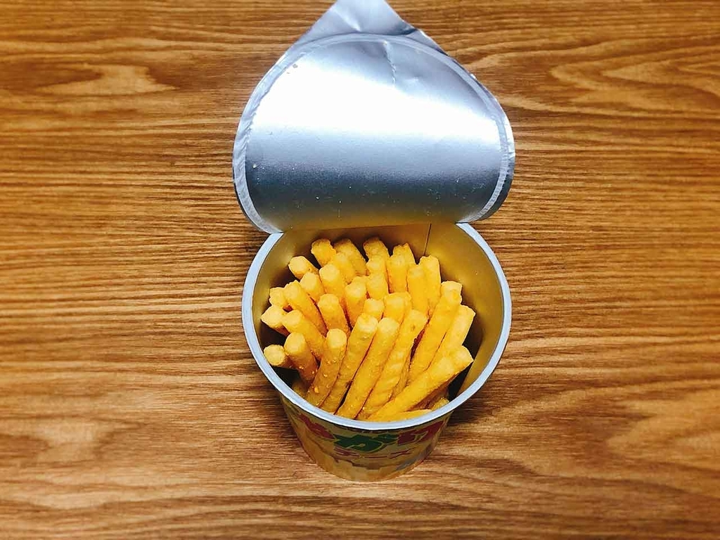 「話題の『じゃがアリゴ』を試してみた結果。」じゃがりこにさけるチーズを入れてお湯を注ぐだけ。本家「カルビー社」公認!?【適材適食】小園亜由美(管理栄養士・野菜ソムリエ上級プロ)