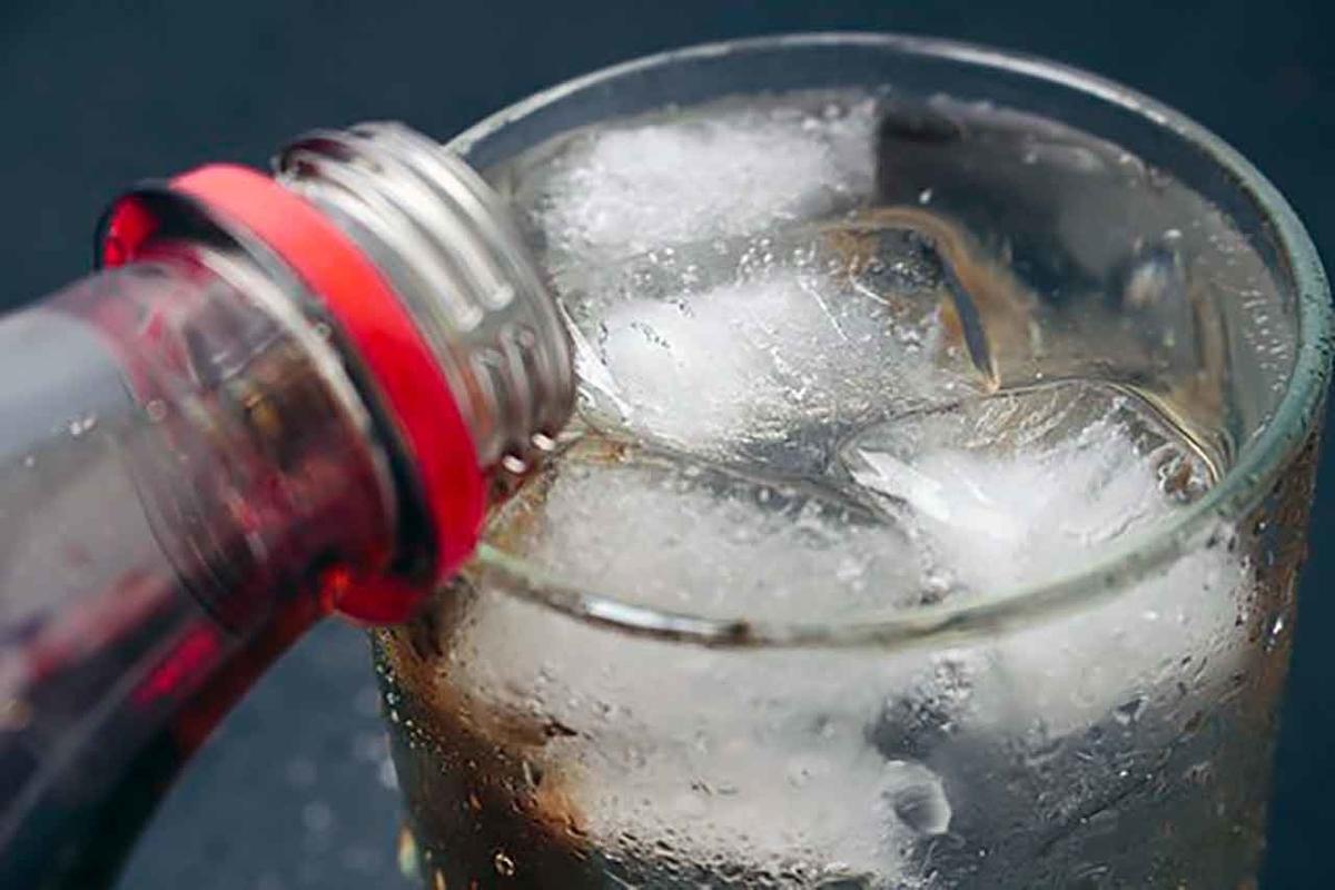 「高カロリーな清涼飲料を飲み過ぎると太るだけでなくがんになる」高カロリー飲料100mLでがんのリスク18%増加という調査結果【適材適食】小園亜由美(管理栄養士・野菜ソムリエ上級プロ)
