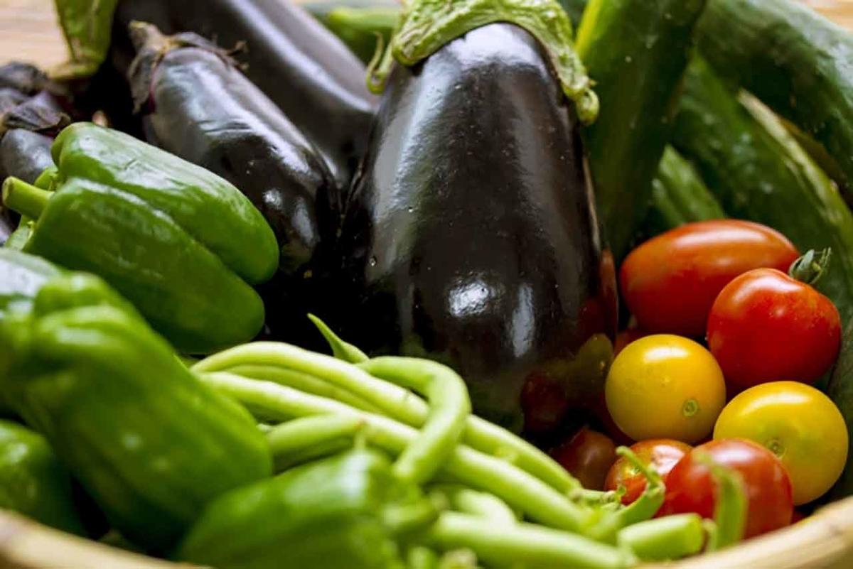 「この梅雨の長雨・豪雨で野菜や果物の値段が上がっている」令和2年7月豪雨の影響【適材適食】小園亜由美(管理栄養士・野菜ソムリエ上級プロ)