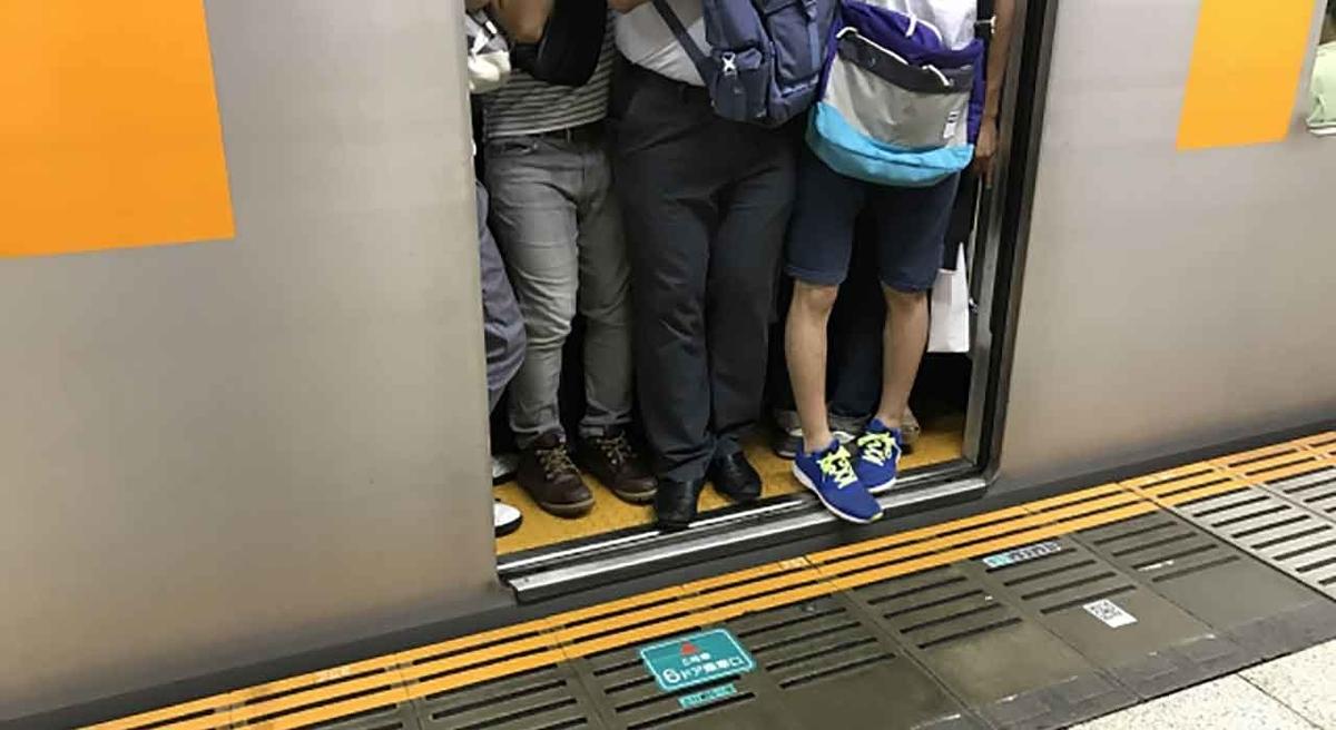 「風邪の時はお家で休もう」通勤電車の中吊り広告から@twitter【適材適食】小園亜由美(管理栄養士・野菜ソムリエ上級プロ)