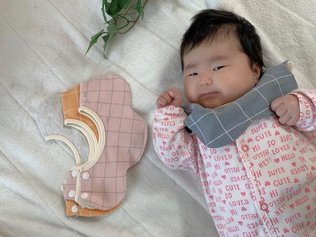 新生児あるある!赤ちゃんのミルク吐きの防御策発見しました!!!