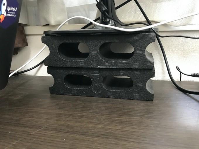 100均で購入したブロックを縦に2つ積み重ね