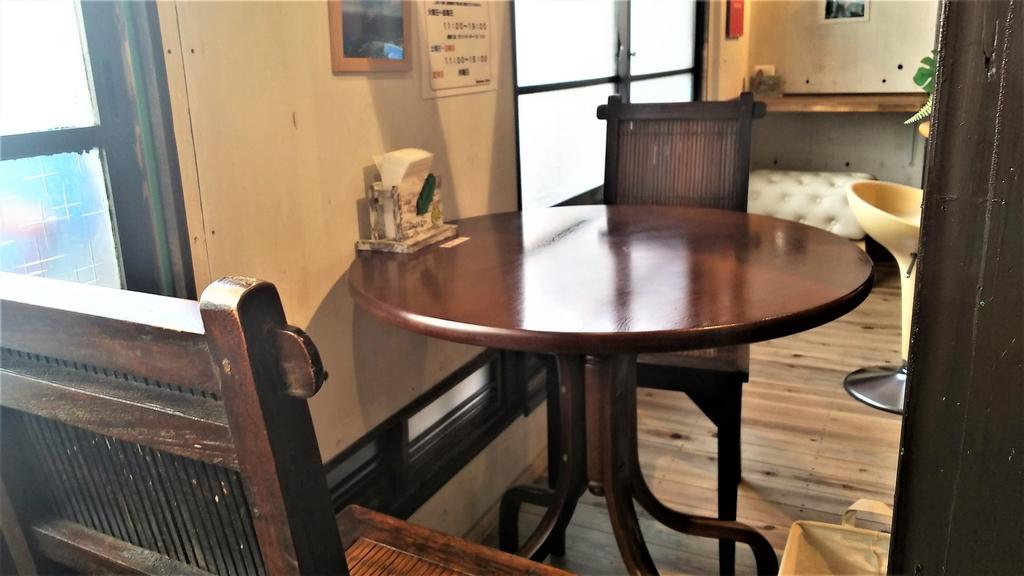 manawacafeテーブル