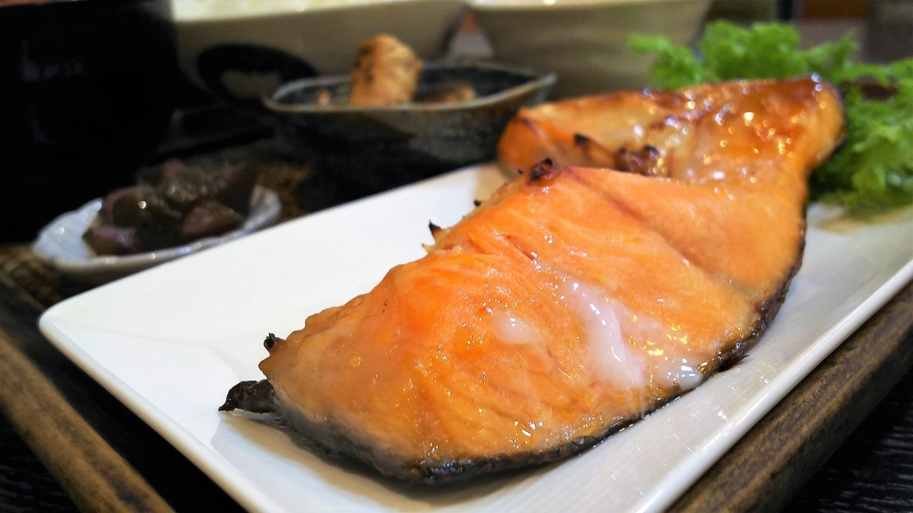 かどのめし屋焼き魚定食シャケ