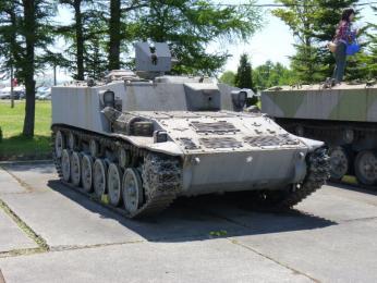 試製56式装甲車
