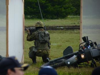 P1010501戦闘訓練展示
