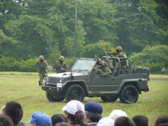 P1010505戦闘訓練展示
