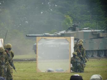P1010522戦闘訓練展示