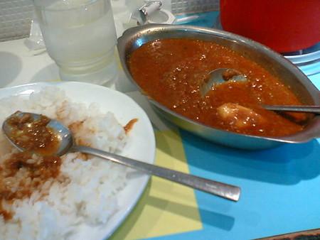 これがコルマカレー(食べかけ)。神保町に寄るときはまた行くと思う