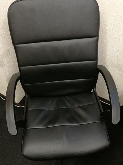 レザー製の椅子