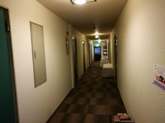ビジネスホテルあおば 2Fの通路