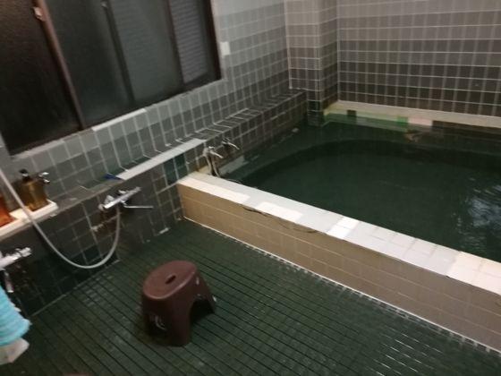 ビジネスホテルあおば 浴室の様子1
