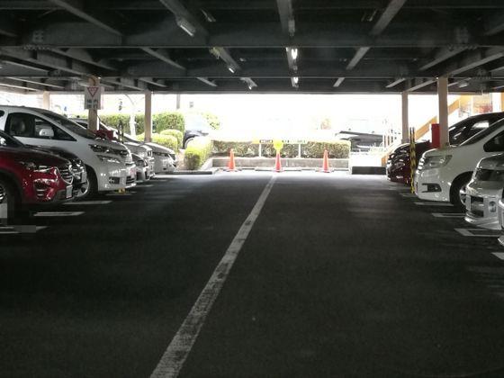 快活クラブ横浜北山田店の駐車場2