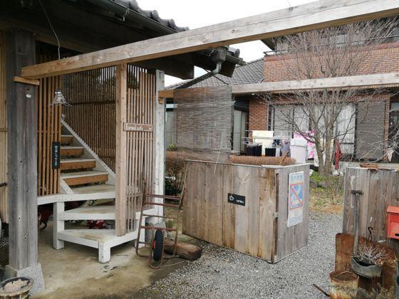 Farmal Cafeの入り口階段
