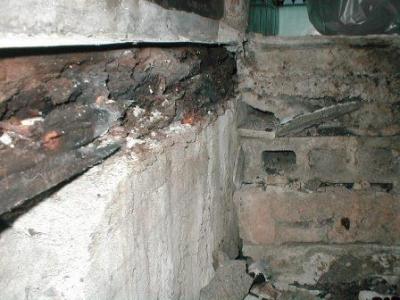 浴室床修理?途中解体途中土台の腐食.JPG