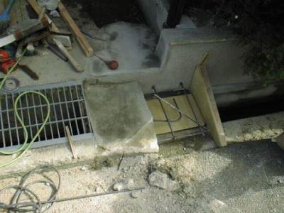 車庫05出入り口拡張型枠配筋コンクリート打設前.jpg