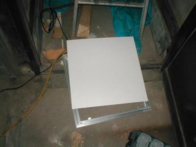 (屋内水漏れ修理)09天井点検口の蓋プリント合板仕上切断.JPG