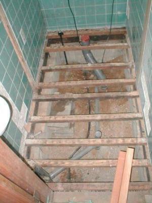 トイレ改造07給水、汚水の配管改造の完了後.JPG