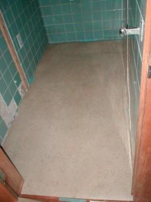 トイレ改造10床CFシート張り.JPG