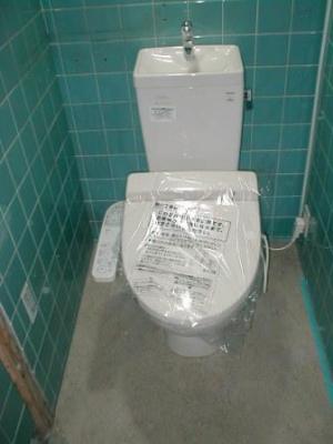 トイレ改造11便器取付け後.JPG