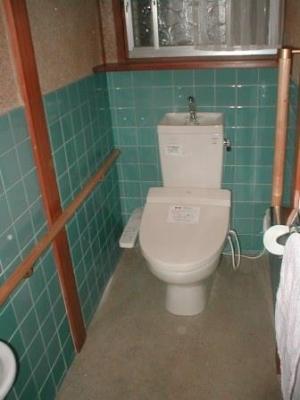 トイレ改造14付け柱・窓棚・手摺の取付後.JPG