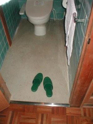 トイレ改造15付け柱・窓棚・手摺の取付後.JPG