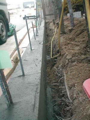 ブロック塀積み替え基礎16型枠バラシ後の埋め戻し前.JPG