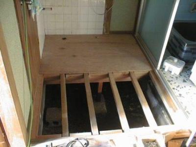洗面床修理途中09.jpg