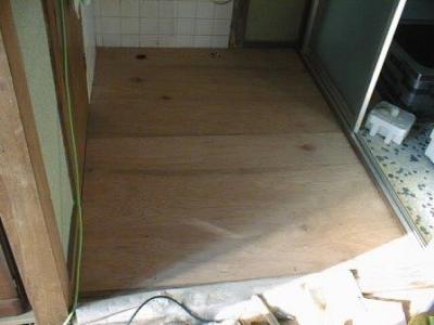 洗面床修理途中10.jpg