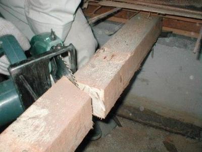 玄関床修理06大引き切断要領正解例.JPG