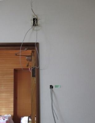 モニターホン取付04既存チャイムや電源分配の配線取出し途中例.JPG