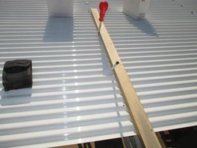 カーポート波板張替え14穴あけとライン印し例.JPG