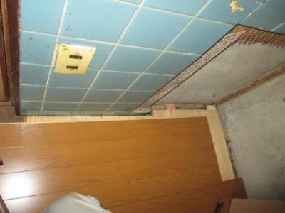 台所改装?床修理?床重ね張り?張り仕舞付近.JPG