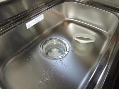 台所改装?既存配管?既存排水の詰まり修理?詰まり残りで排水不良例.JPG