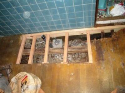 洗濯場床修理16フロアーパネル張り.JPG