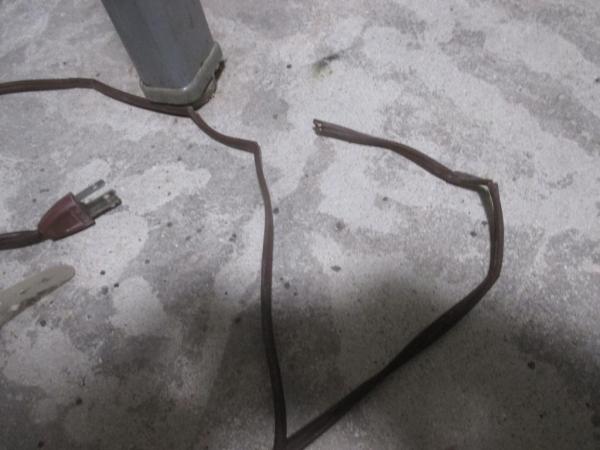 古い電気ストーブ修理?劣化による断線ショート例?拡大.JPG
