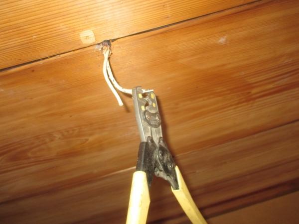 和室照明器具取替?配線改良?端子変換?圧着途中.JPG