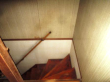 手摺取付(階段)内壁鋼製・木の混合下地1.JPG