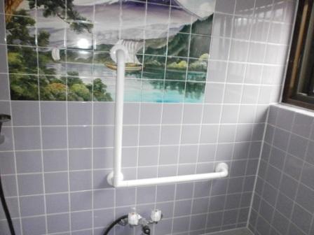 手摺取付(浴室)タイル下地1L型5.JPG