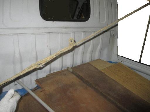 搬送基本技能 材木など単品長尺材種の荷造りロープ掛け 引き付け縛り.jpg