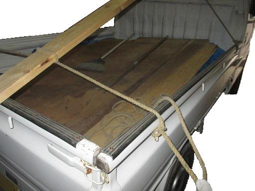 搬送基本技能 材木など単品長尺材種の荷造りロープ掛け 殺し止め.jpg