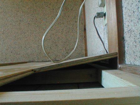 フロアーパネル張り?ころばし根太と床板張り仕舞い (1).JPG